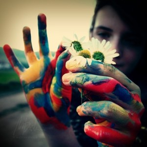 hands,manycolors,color,flower,girl-c6ccbf90552cf9f0c5403d17c579b389_h