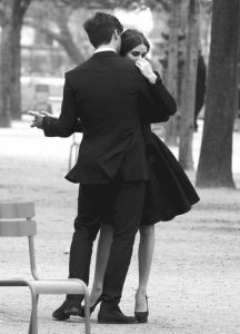 couple dancing in park via pinterest